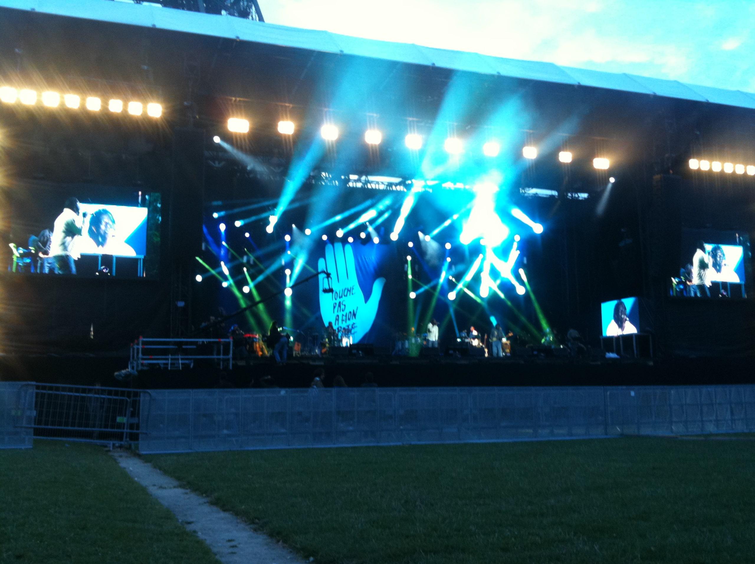 scène concert concert champs de mars